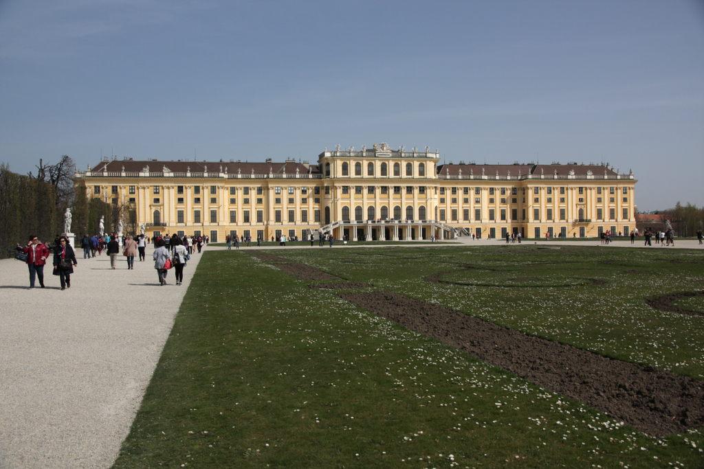 Schönbrunn und Prater mit Sonnenschein